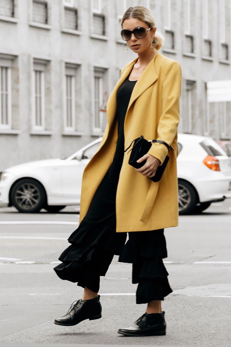 Between the seasons: 7 Outfit Ideen für den gelben Mantel //Instagram: @couturedecoeur // Fashion & Style Blog: https://couturedecoeur.com II #outfit #ootd #fw #fashion #streetstyle #fashionblogger #autumn #modefürfrauen #mode #blogger