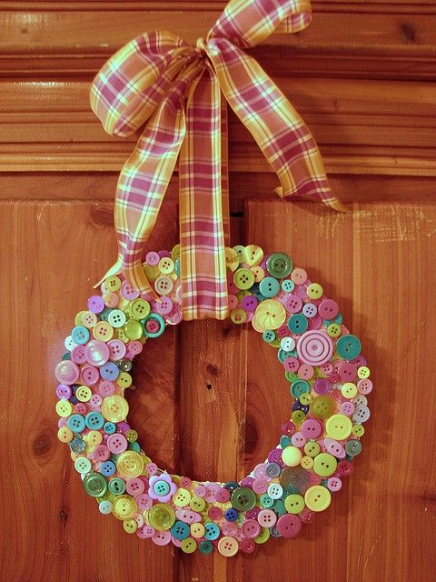 Button wreath! You could use any color scheme you wanted.