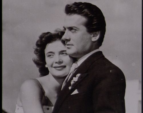 Σαν Σήμερα... γεννήθηκε η Τζένη Καρέζη - Θεατρικά Νέα - Θέατρο ...