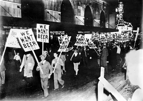 Jan 16, 1919: Prohibition takes effect in the US
