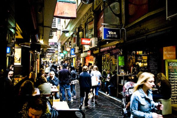 Google Image Result for http://thetravelcrew.files.wordpress.com/2012/05/melbourne_laneways_by_chinoiserie-d2xz7kn.jpg