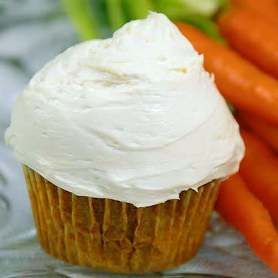 Carrot Cake Cupcakes #easter #healthyeaster #carrotrecipes