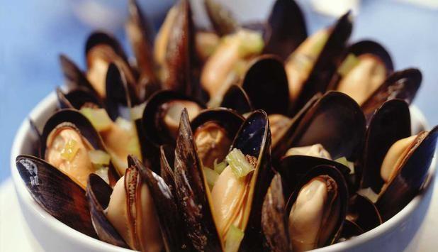 Blåskjell forbindes ofte med sommer, men er på sitt beste om høsten og vinteren. Prøv denne oppskriften hvor blåskjell dampes i hvitvin.