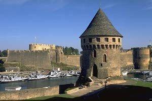 BREST - La tour Tanguy, la Penfell,  le Châtea