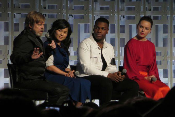 Elenco de Star Wars fala sobre Carrie Fisher e 'Os Últimos Jedi'