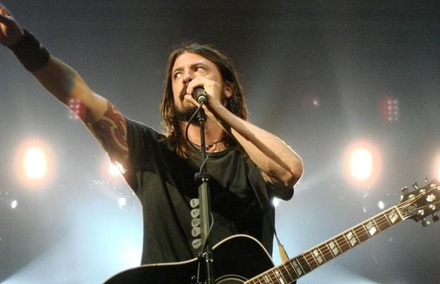 """Dave Grohl: """"I don't care if you pay $1 or $20 for it, just listen to the f*cking song"""" - Alternative Press"""