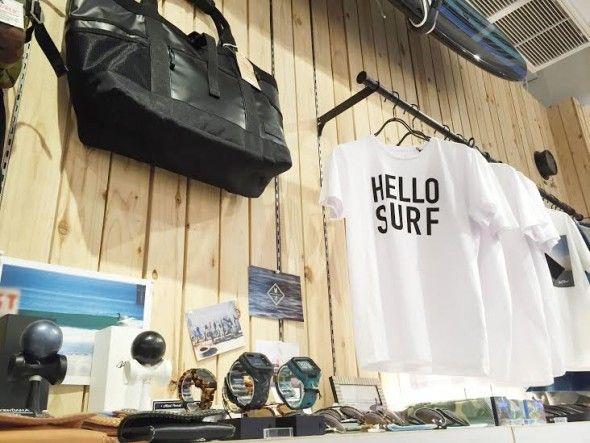 アパレルは人気のWTWのオリジナルTシャツはもちろん、海や街で活躍してくれるアイテムがたくさん!!WTW,売場2