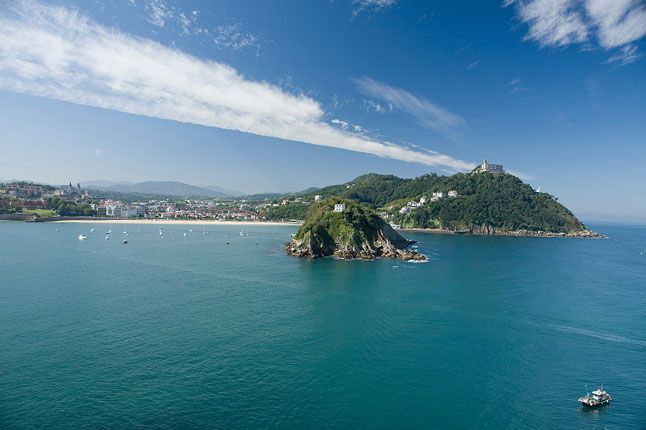 Read our guide to the best restaurants and cafés in San Sebastian