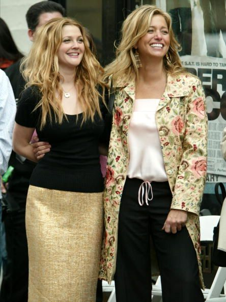 drew-barrymore-and-nancy-juvonen-during-drew-barrymore-honored-with-picture-id105320117 (444×594)