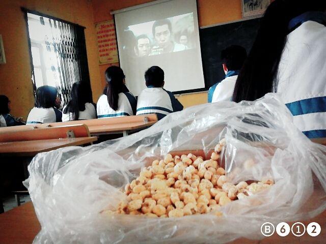 #recess /Viettri high school/ watching movies