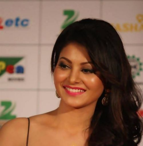 Check out Bollywood movie Singh Saab The Great fame Urvashi Rautela still.