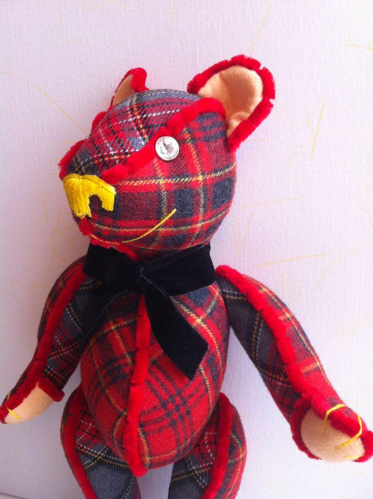 Edward I, a stylish Scottish Teddy Bear, very original By GSBears, Barcelona