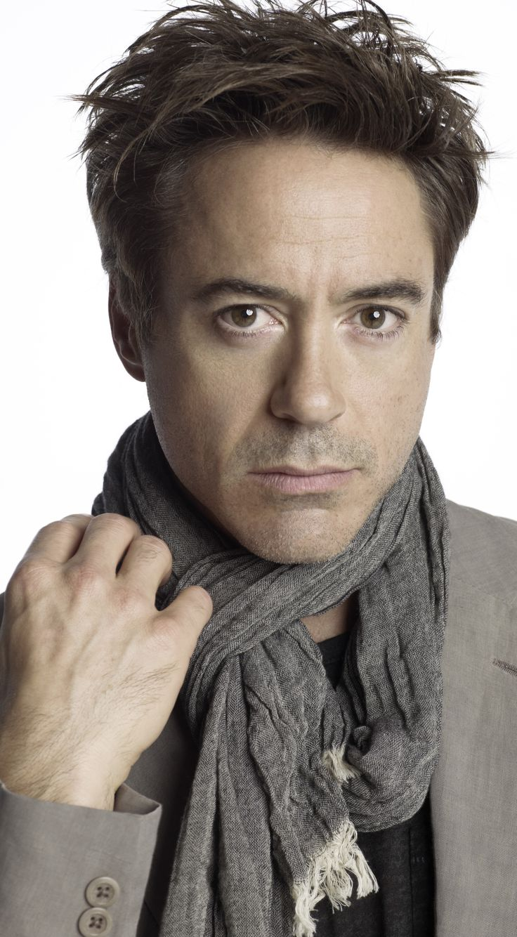 Robert Downey Jr. Such a lovely face, especially when clean-shaven. <3
