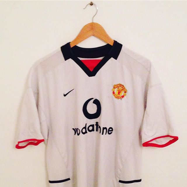 Manchester United away shirt 2002/03 - link in bio to purchase #mufc #manchesterunited #manutd #manunited #nike #vintagenike #vintagemanunited #manunitedshirt #vintagefootball #football #footballshirt #vintagefootballshirt #retro #retroshirt #retrofootballshirt #retronike #soccer #soccerjersey #vintagefootball #oldtrafford