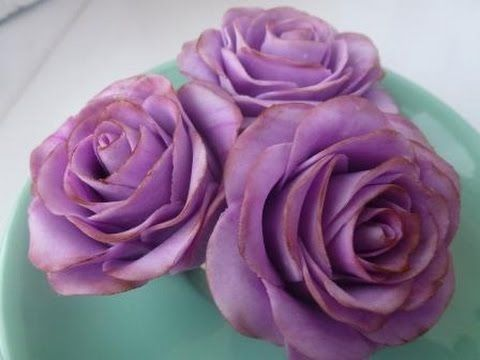 Розы из мастики. Мраморные розы - YouTube