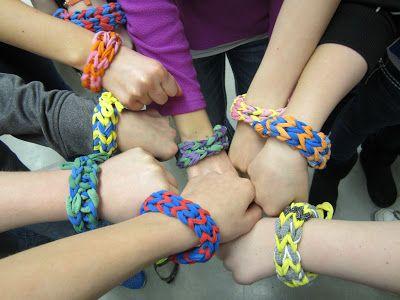 Mini Matisse: Loop Bracelets http://minimatisse.blogspot.com