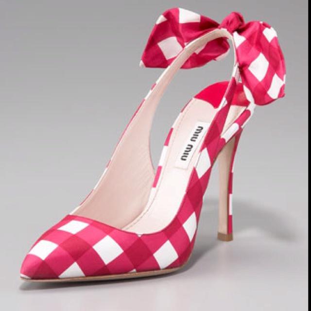 Love these!!!Miumiu, Fashion Shoes, Slingback Pump, Miu Check, Red Shoes, Girls Fashion, Heels, Miu Miu, Bows Details