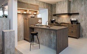 Landelijke keuken van hout met bar gedeelte en klassieke schouw collectie 2015 pinterest - Uitgeruste keuken met bar ...