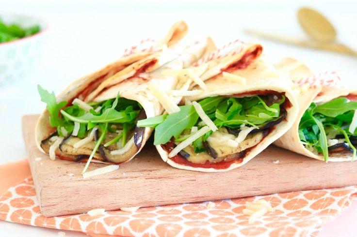 Je hebt vast wel eens melanzane alla Parmigianagegeten. Dit klassieke Italiaanse gerecht bestaat traditioneel uit aubergine, tomaaten Parmezaanse kaas, maar