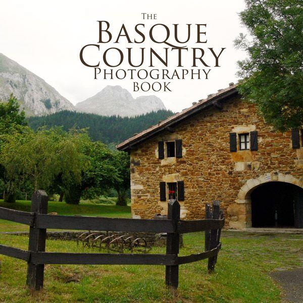 Los nuevos libros de fotografía de Artshow Collective en los que participa Donibane #arsthowcollective #book #photography #basquecountry
