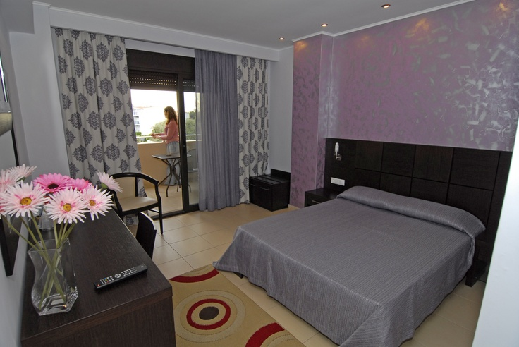 With 2 single-beds(joined or separated) or with a Big Double-bed . Rooms available with bath OR shower.
