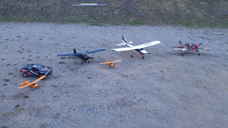 Champs are yellow, best beginner plane hands down under 100$, supercub is black before the crash..which it is fixed again, a white apprentice and a warhawk