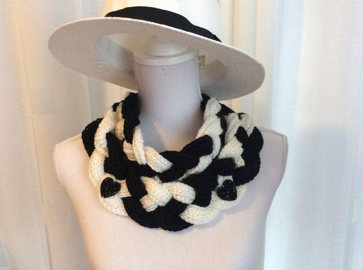 Een persoonlijke favoriet uit mijn Etsy shop https://www.etsy.com/nl/listing/496832822/gehaakte-gevlochten-sjaal-col-nek-warmer