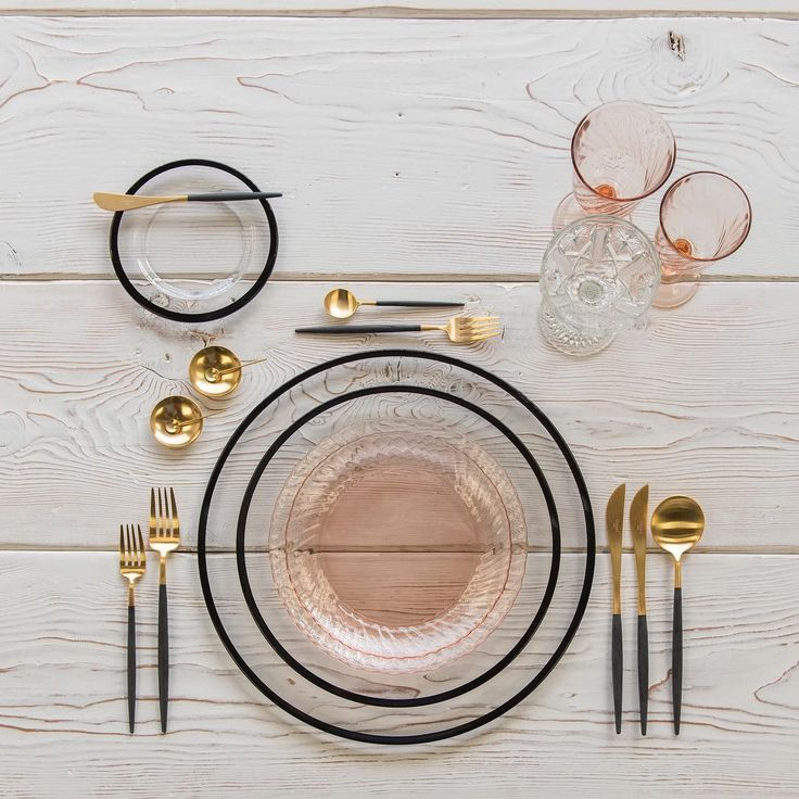 Black and gold and blush all over 💗 With our Halo Glass Chargers and Dinnerware in Black + Vintage Pink Swirl Collection Plates + Goa Flatware in 24k Gold/Black + Vintage Pink Swirl Goblets + Vintage Champagne Coupe + 14k Gold Salt Cellars + Tiny Gold Spoons #cdpdesignpresentation #🍽