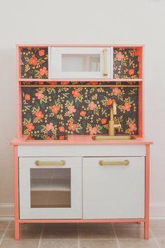 Great DIY! Transform IKEA duktig into a fun kid's play kitchen~