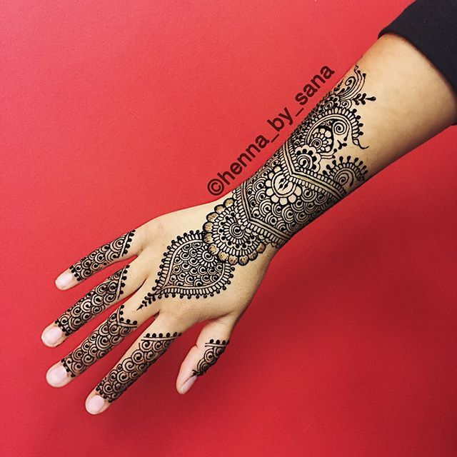 Come out to The Pop Up event @thecreativeplug on April 10th from 6-9pm to get your henna done and check out some amazing artwork by local artists in Columbus! Get your presale tickets from eventbrite for only $5 when you use the code: Hennabysana ✺✾❀❃ #henna #mehndi #design #art #detailed #simple #pakistani #indian #desi #arab  #somali #brown #brownhenna #blackhenna #mehndiartist #intricate #bridal #bridalhenna #stain #hennastain #hennainspire #hennaartist #love #hennalove #osu #fall #etsy…