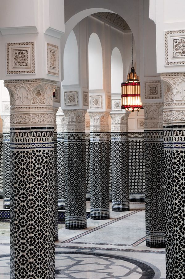 Exquisite #Moroccan mosaic zellij tiling at La Mamounia, #Marrakech, interior #design by Jacques Garcia.