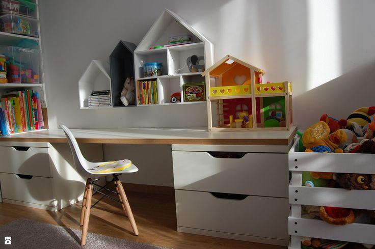 Biurko dla dwulatka - zdjęcie od MariaKra - Pokój dziecka - Styl Skandynawski - MariaKra