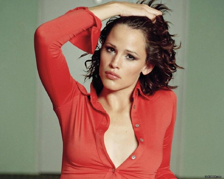 Jennifer Garner - Most Memorable Movies Roles Are Pearl Harbor (2001), Catch Me If You Can (2002), 13 Going on 30 (2004), Elektra (2005), and Ghosts of Girlfriends Past (2009). Description from pinterest.com. I searched for this on bing.com/images
