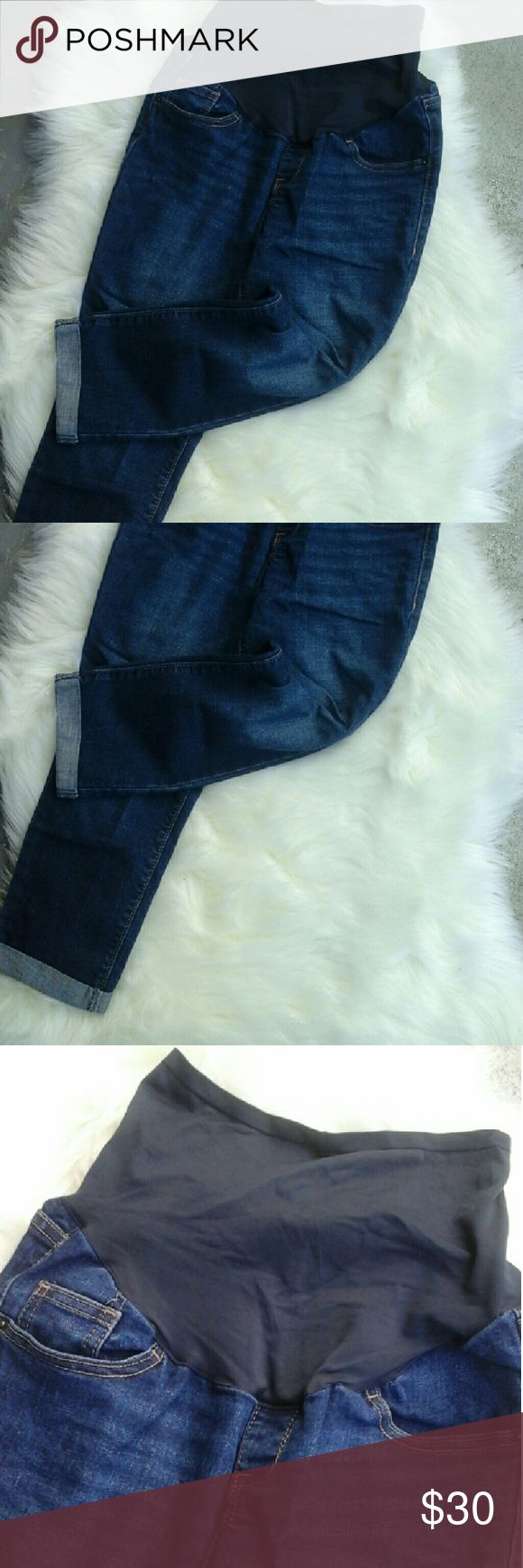Old Navy Maternity Jeans Maternity Jeans with ankle cuffed bottoms...Super cute with almost any top. Plus it has the premium full panel to cover and hold your belly for maximum comfort?????? Old Navy Jeans Ankle & Cropped