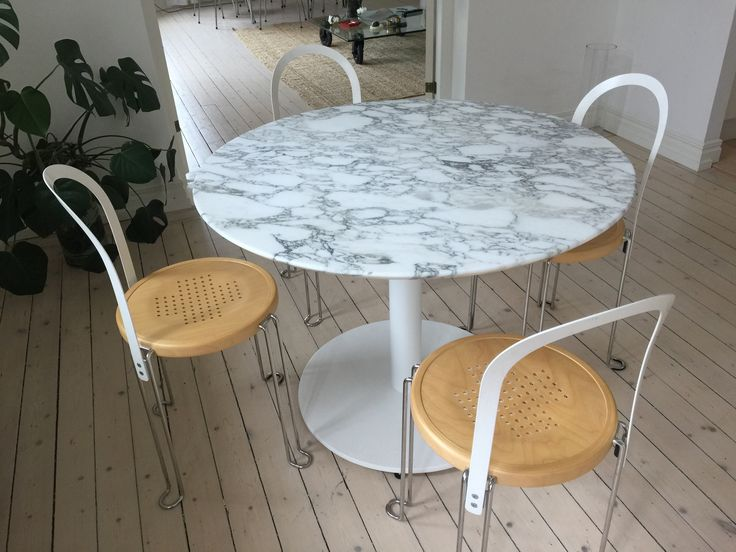Matbord i marmor- Arrabescato