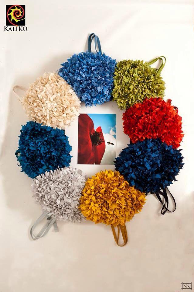 """""""Dormi sepolto in un campo di grano non è la rosa non è il tulipano che ti fan veglia dall'ombra dei fossi ma son mille papaveri rossi..""""  'FRÙ FRÙ BAGS S/S COLLECTION'  Foto Novella Rosania in collaborazione con lo studio fotografico Franco Cautillo"""