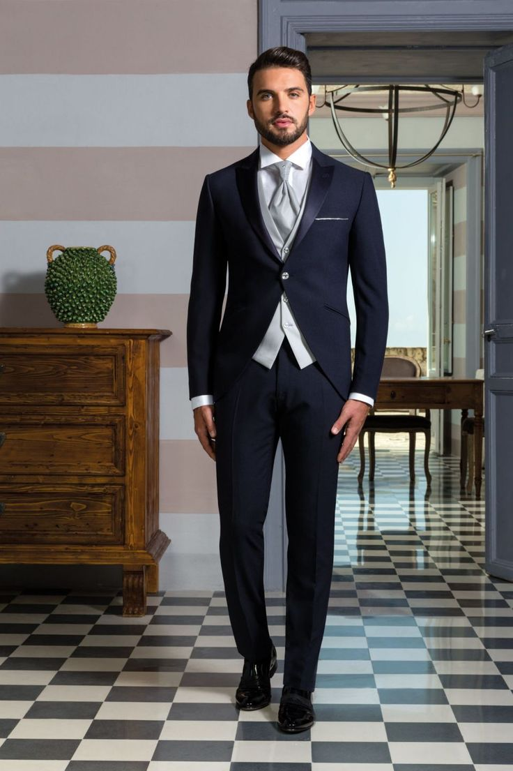 Coordinato smoking giacca stondata blu scuro con gilet grigio argento