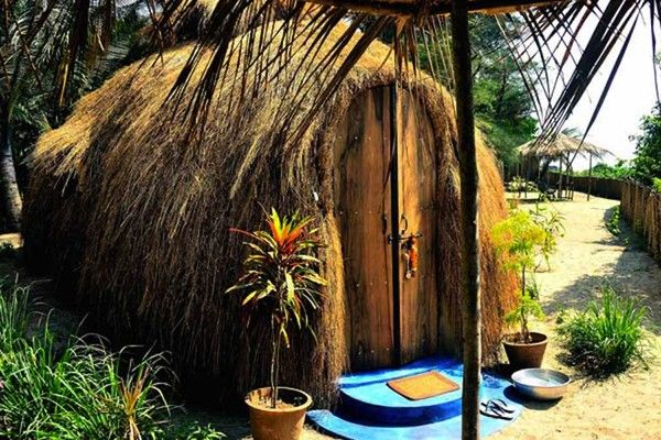 154 best images about tiny hotel and sleeping spaces on for Small house for sale in goa