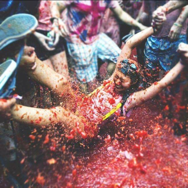 Today marks the start of #LaTomatina where our friends at @stoketravel begin that classic Spanish tradition of hurling tomatoes at each other drinking lots of sangria and falling over in the streets of #Buñol. Just another crazy Spanish festival to add to the bucket list ! #bucketlist #valencia #tomato #messy #spain #summer #euroventure