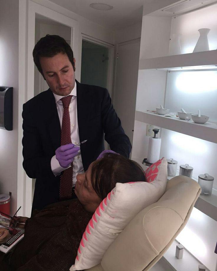 Con el Botox, eliminamos tus arrugas sin cambiar tu expresión  www.felipeamaya.com  www.cirugiadenariz.com  #InstitutoFelipeAmaya  #UnidadDeRejuvenecimiento