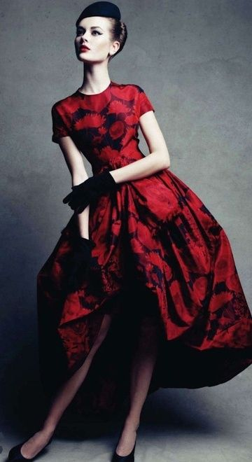 Christian Dior, 1960. photo by Patrick Demarchelier. Someone should wear this today. So pretty.