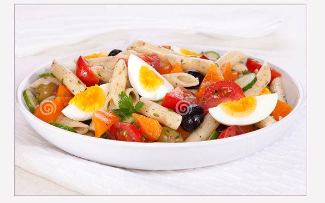 Un piatto unico fresco: pasta fredda con le uova #piatto #unico #pasta #fredda #uova