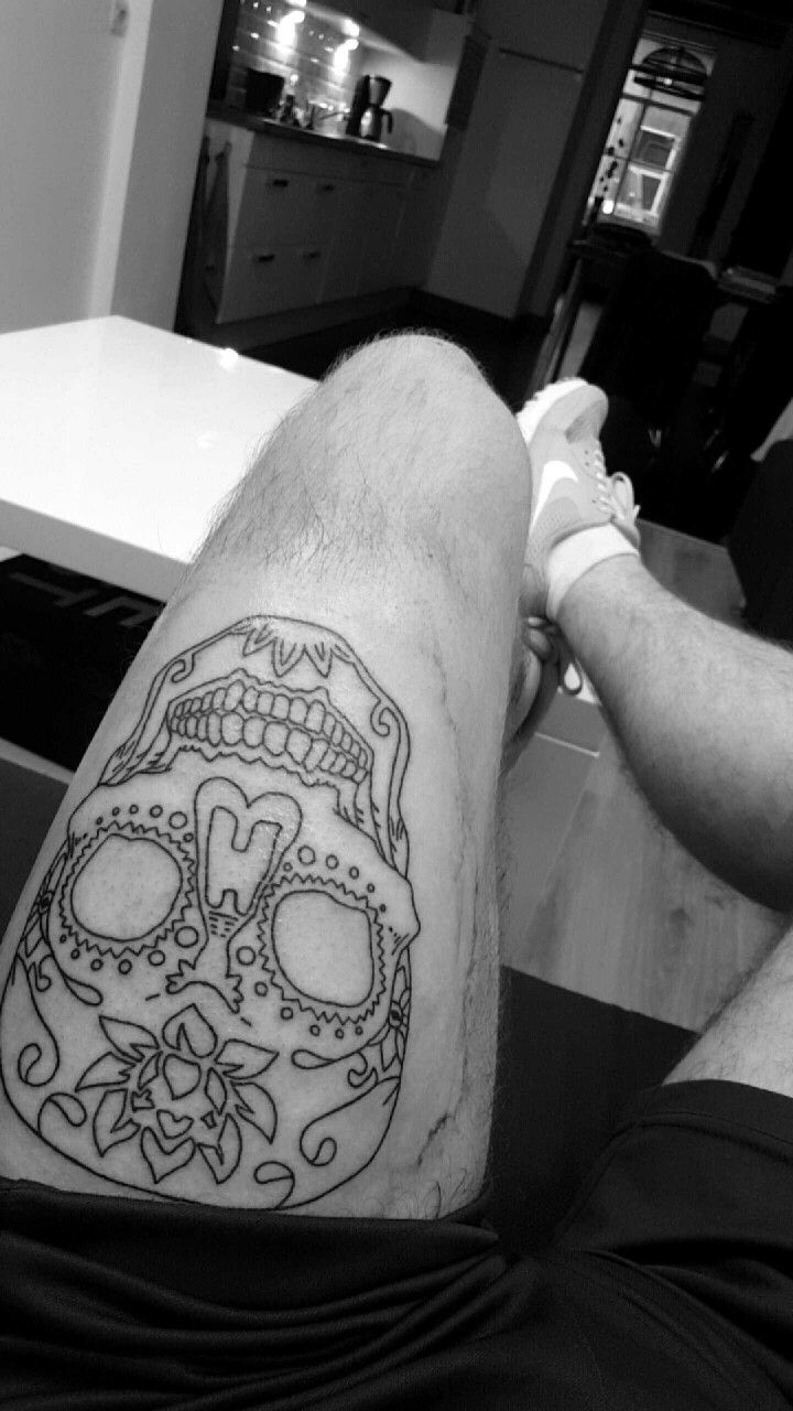 sugarskull thigh upper leg men tattoo