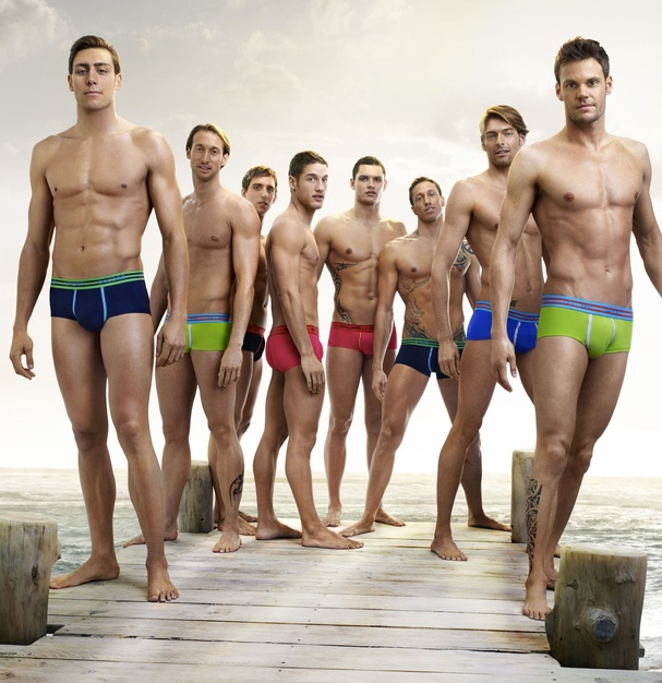 swimmers nude phoyos French