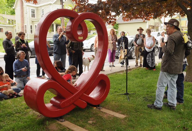 Love Knot sculpture in Woodstock by Hudson Valley sculptor, Ze'ev Willy Neumann. There is a second Love Knot sculpture in Saugerties NY.