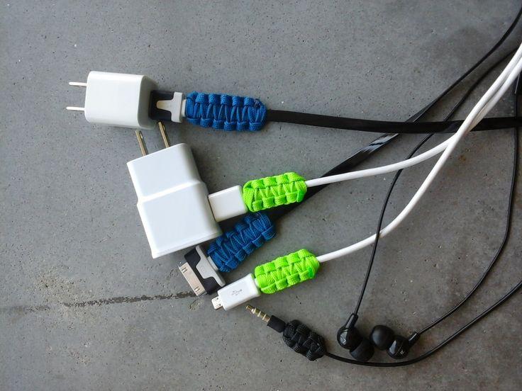 Pour que le câble d'un appareil ne casse plus en se tordant, il suffit de le renforcer avec un tressage en paracorde - tutoriel