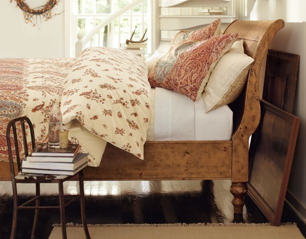 I love sleigh beds.
