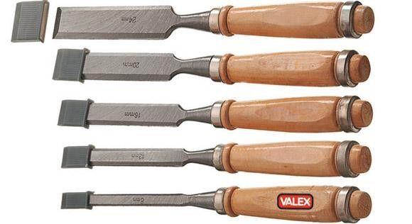 #Scalpelli per falegname serie 5 pezzi Valex #intarsio facile e #legnolavorato di qualità con https://agrihobby.com/ Lama riaffilabile in acciaio - Larghezza punta: 8, 12, 16, 20, 24mm - Impugnatura ergonomica in legno. lunghezza tot. mm 250.