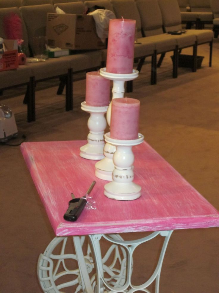 unity candle table made from grandma's old sewing machine #howtodecorateunitycandles