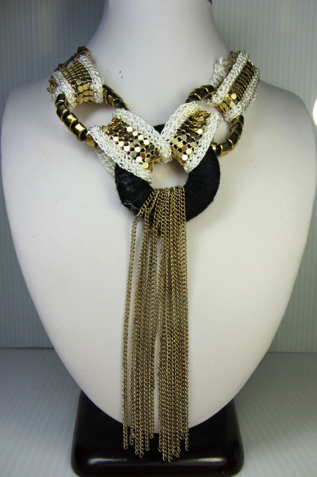 FOCAL RING FASHION STYLE NECKLACE QT 292